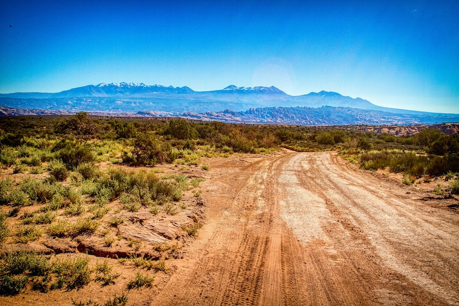 road to gemini bridges near moab utah